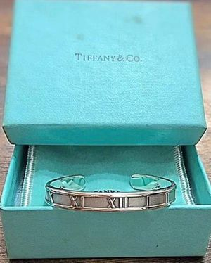 TIFFANY & Co. ATLAS CUFF BANGLE/BRACELET for Sale in Columbus, OH