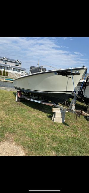 1987 proline center console 20ft for Sale in Amityville, NY