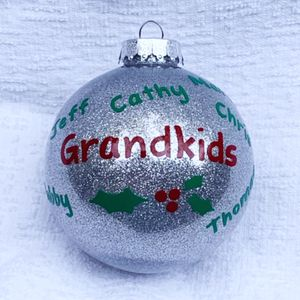Personalized Family Christmas XMas Ornament Keepsake Gift Last Name Mom Dad for Sale in Cary, NC