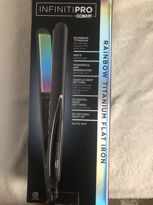 Hair straightener for Sale in Madera, CA