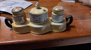 Stovetop salt and pepper shaker for Sale in CORNWALL Borough, PA
