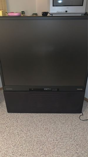 """Toshiba 50"""" screen box tv *FREE* for Sale in Prospect Heights, IL"""