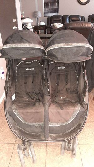 Graco double stroller for Sale in Arvin, CA