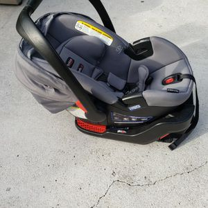 Infant Car Seat for Sale in Miami Gardens, FL