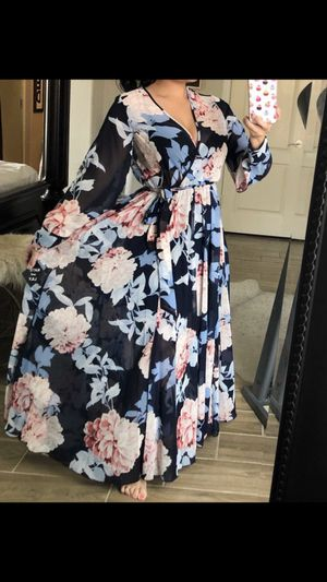 Fall perfect 🍂 floral maxi long sleeve size 4 for Sale in Queen Creek, AZ