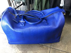 Blue duffle bag new store pick up for Sale in Los Angeles, CA