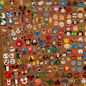Disney $3 pin pick a pin for Sale in Pompano Beach, FL