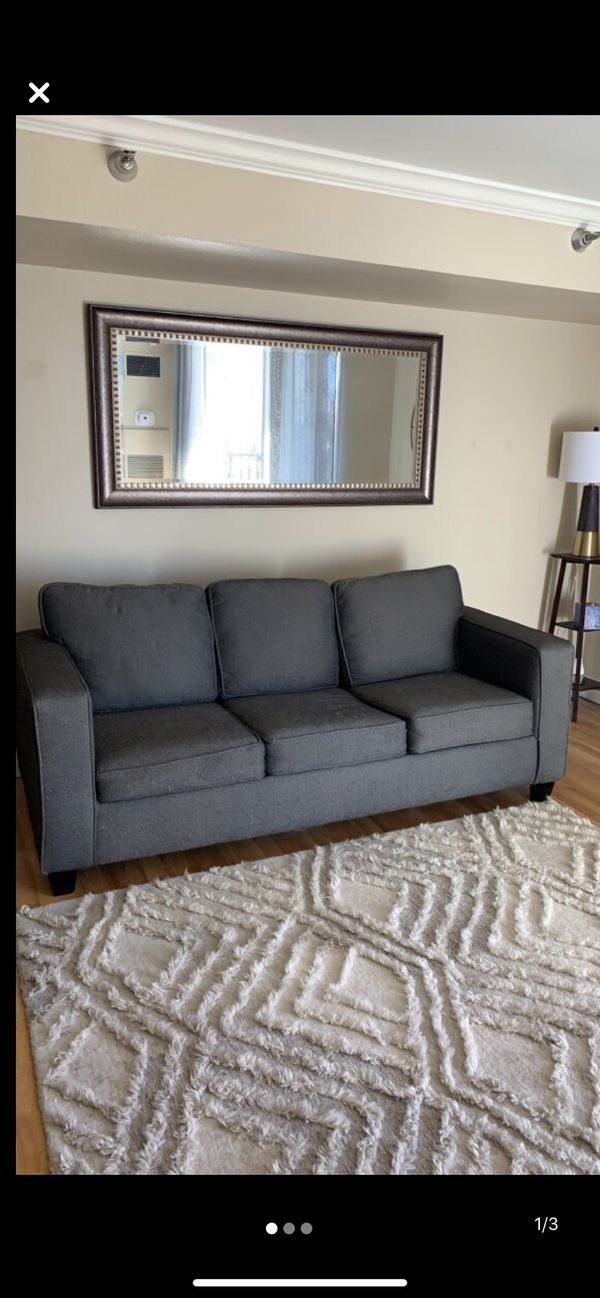 Sleeper pull out couch