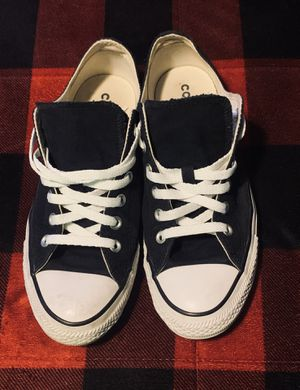 Men's converse size 9 for Sale in Granite Falls, WA