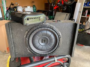 10 inch kicker CVT pancake and amp for Sale in Houston, TX