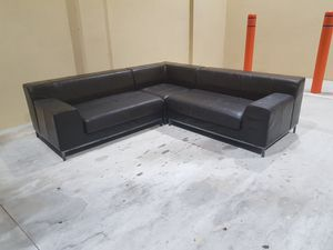 Sectional couch for Sale in HALNDLE BCH, FL