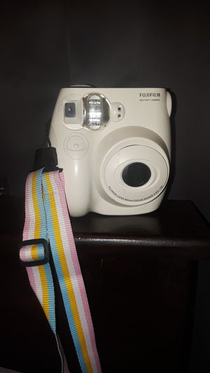 White Fujifilm Polaroid for Sale in Fontana, CA