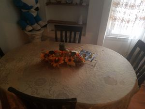 Kitchen table for Sale in Perth Amboy, NJ
