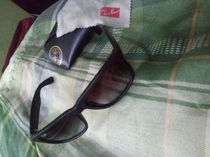 Ray-Ban Sunglasses with Case and Lens Towel for Sale in Philadelphia, PA
