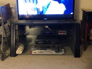 TV Stand, modern style with 3 glass shelves for Sale in Rockville, MD