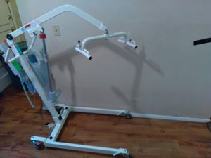 Medical body lift w/ slinge for Sale in Wichita, KS