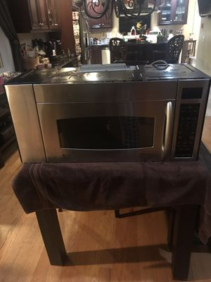 GE Profile Spacemaker Microwave for Sale in Whittier, CA