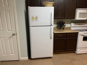 Kitchen appliance suite for Sale in Austell, GA