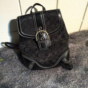 Guess Backpack Purse Medium Size for Sale in Santa Clara, CA