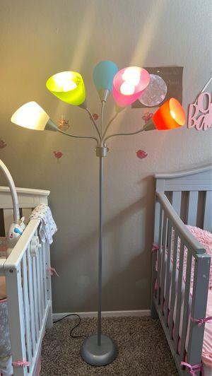 5 light floor lamp for Sale in Austin, TX