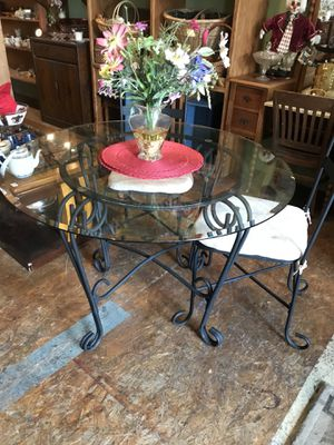 Bistro dining kitchen table and chair for Sale in San Diego, CA