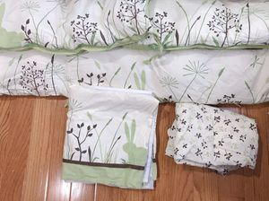 Baby Crib bumper and bedding for Sale in Fairfax, VA