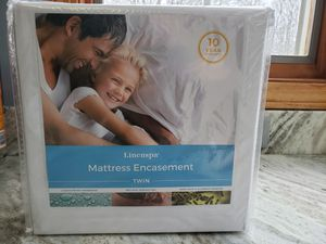 Twin mattress encasement for Sale in Hinckley, OH