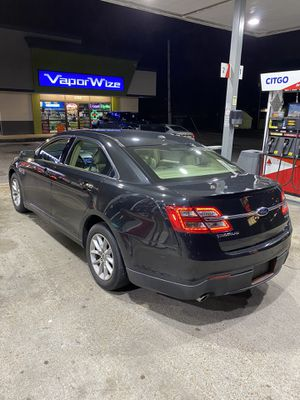 2013 Ford Taurus V6 Flex Fuel for Sale in Memphis, TN