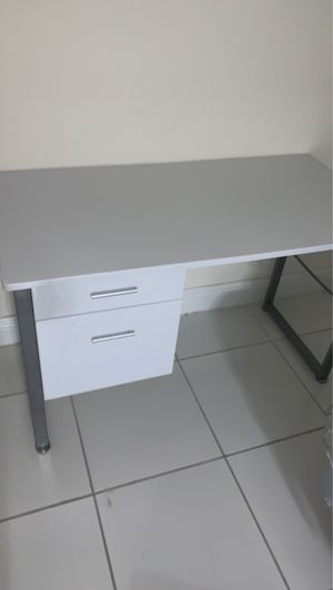 Desk for Sale in Miami Lakes, FL