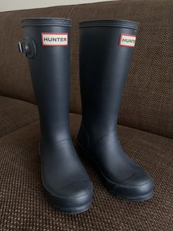 Hunter Rain Boots Girl's Sz. 3 (boys 2). Only Worn Once for Sale in Oakland,  CA