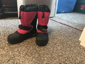 Size 2 girls snow boots for Sale in Aurora, CO