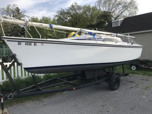 Hunter Day Sailor. 23' sailboat. for Sale in Worthington, OH