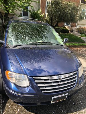 Chrysler Town & Country 2006 Minivan for Sale in North Potomac, MD