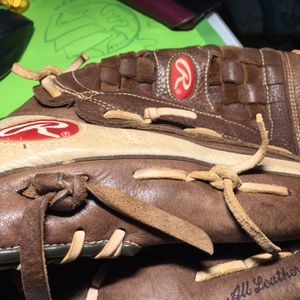 "Rawlings 13"" outfields softball glove for Sale in West Palm Beach, FL"