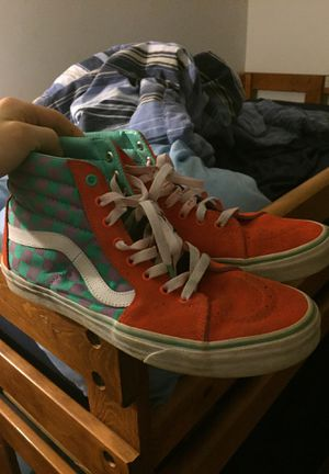 limited edition Journeys vans. size 10.5 for Sale in Powhatan, VA