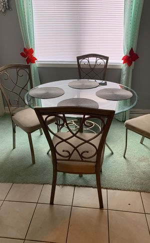 Kitchen table In the four chairs for Sale in Beason, IL