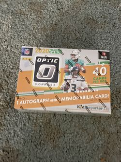 Optic football mega box with one autograph and mem card for Sale in Auburn,  WA