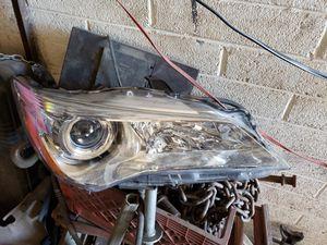 2017 camry right headlight oem for Sale in Phoenix, AZ