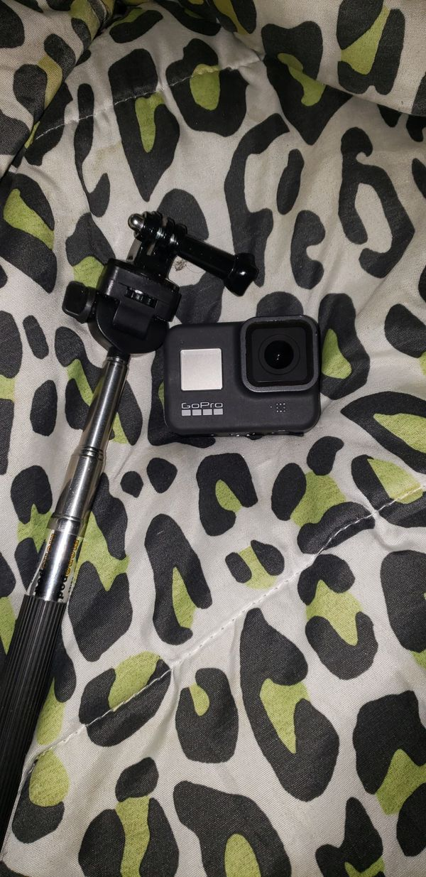 Black Hero8 GoPro w/ Mount & if needed a type-C charger!