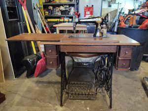 Antique singer 27-4 sewing machine made in 1909 for Sale in Aurora, CO