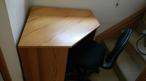 Corner desk for Sale in Pittsburgh, PA