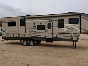 RV. 2016 cougar 326RDS for Sale in Scottsdale, AZ