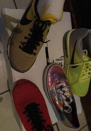 Girls / ladies tennis shoes Nike for Sale in Port Allen, LA