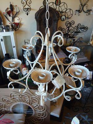 Candle de metal esta Nuevo para colgarse muy bonito para adornar su fiesta for Sale in Rancho Cucamonga, CA