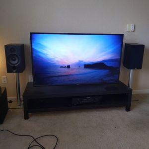 Toshiba 55 Inches Tv + Google Chromecast Smart Tv for Sale in Aurora, CO
