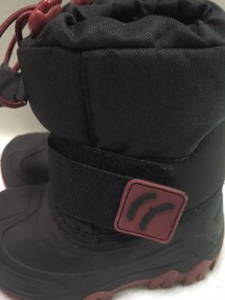 Toddler boys size 5/6 Thermolite winter snow boots for Sale in Riverside,  IL