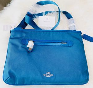 Brand New Authentic Coach Crossbody Messenger Purse for Sale in Chandler, AZ