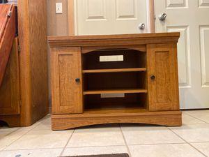 Corner TV console shelf for Sale in Everett, WA