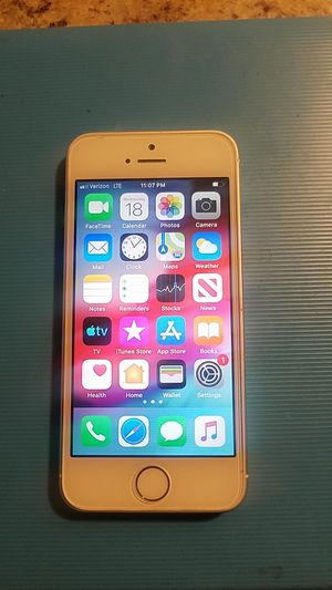 iPhone 5s 16gb unlocked for Sale in Wethersfield, CT