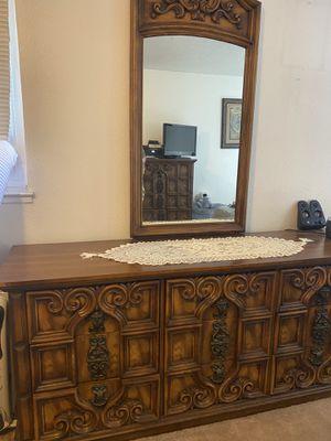 Bedroom antique furniture set for Sale in Hayward, CA